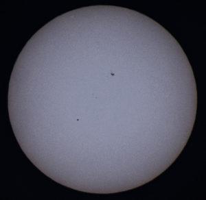 """Ylikulun """"maksimi"""", eli Merkurius matkansa puolivälissä kello 17:56. Kuva: Jari Juutilainen"""